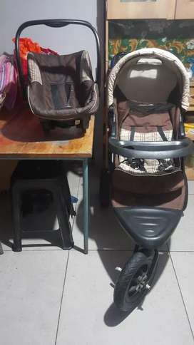 CHALINO 3 Wheel Pram and Car seat FOR SALE VERY URGENTLY.