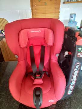 Bebe Confort Axiss Swivel Car Seat (2015)