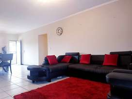 ROOM To RENT/ FLAT TO SHARE urgently at FOURWAYS