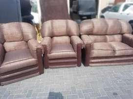 Brand new 3 pieces set of couches of excellent quality.