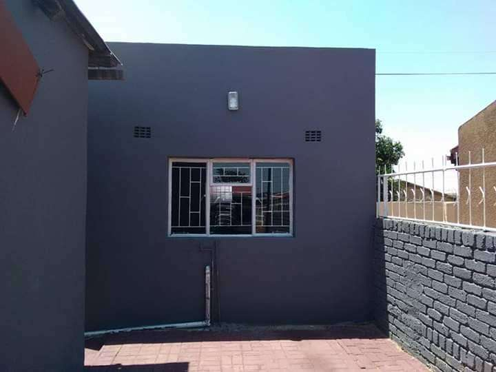Rooms available for rental at mabopane block b 0