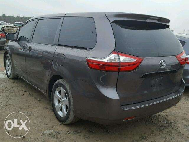 Toyota sienna for sale 0
