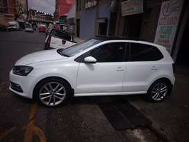 Polo6 tsi sun roof at low price