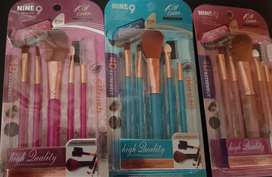 Fashion brush sets,eyepencils,lipsticks,eyeshadows & cutex