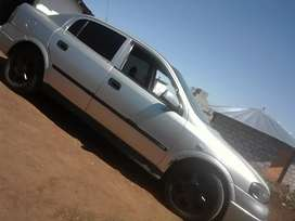 Am selling my opel astra with leather sit