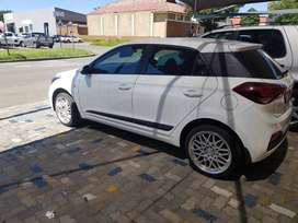 I20 Hyundai Motion m/t free 17 inch mags n tyres mags