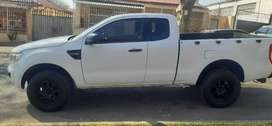 FORD RANGER CLUB CAB IN EXCELLENT CONDITION 2.2 SIX SPEED