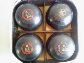 """Bowling balls X4 .Size 5"""". R400 for all 4."""
