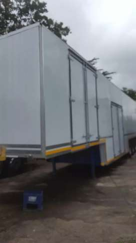 Furniture trailer tri axle