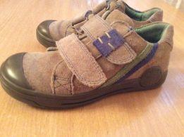 Продам весняно-осіні замшеві туфлі 27р.