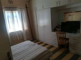 Big Room available in house, Rondebosch sep/entrance & b/rm