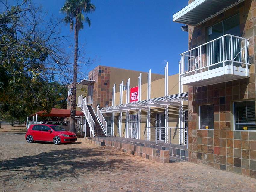 Prime office space(40-80m2) to rent in great position in Rustenburg. 0