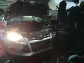 Am Stripping Ford focus 1.6lit sedan 2013 Auto for spares
