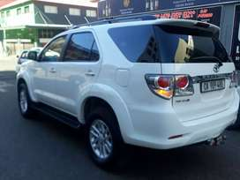 Toyota Fortuner 3,0 R 229 000