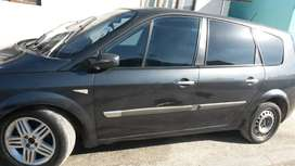 Renault petrol with leather seats