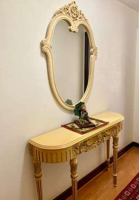mirror with table unit
