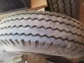 Second hand truck tyre