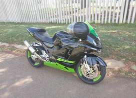 2006 Kawasaki zx12r 1200cc super bike for sale runs great with papers