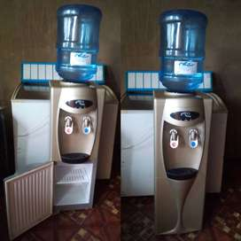 Water Dispenser (Cold & Hot) with a Fridge