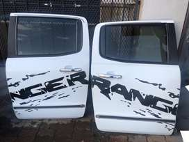 Ford ranger T 7 left and right rear complete doors