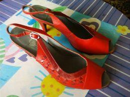 Туфли женские красные кожа размер 40 каблук 8 см стелька 25 см