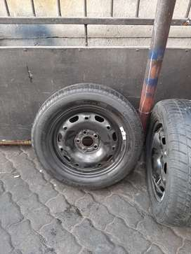 Used tyres and steel rims