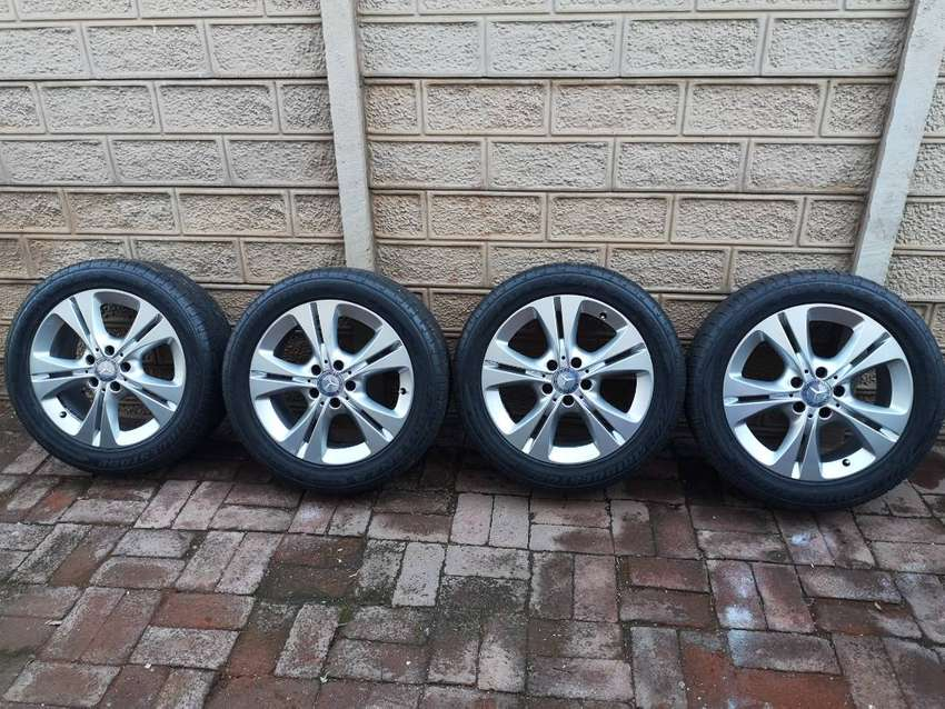 Original Mercedes Benz w205  Rims with tyres for sale 0