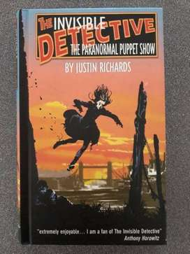 The Invisible Detective: The Paranormal Puppet Show - Justin Richards.