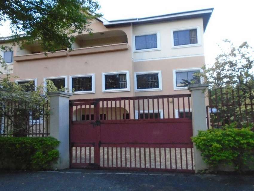 12 Units of 2 bedroom flat all rooms with guest Toilet 0