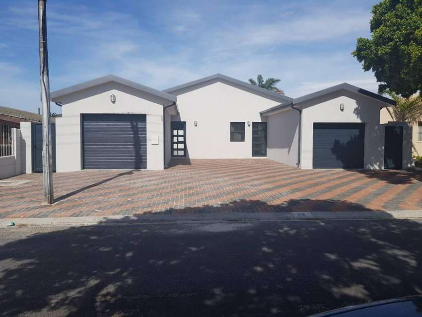 Brand New 3 Bedroom house to let in Goodwood..fully fitted ..R12500 0