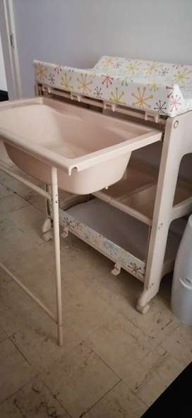 Baby bath/ changing station