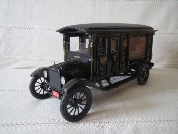 Модель 1/18 Ford Model T 1921 black Precision Miniatures