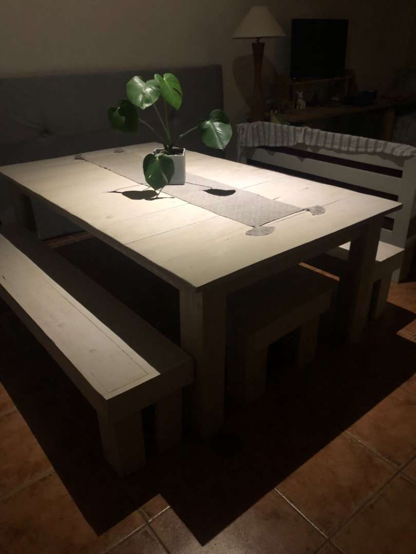 Large dining room table 0