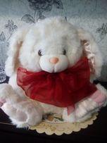 продам детскую мягкую игрушку заяц-300 руб