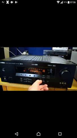 BEAUTIFUL YAMAHA AV SURROUND RECEIVER AMPLIFIER IN GREAT CONDITION