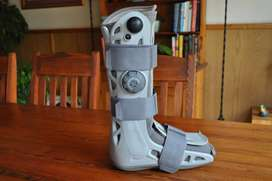 Aircast Moonboot Size Small (tested working)