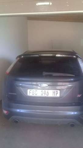 Ford focus st 2.5 turbo charge it in a good condition