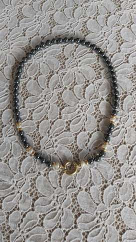 Hematite and Pearl Necklace 9ct.Gold  Claspp