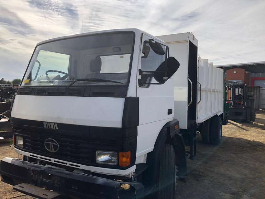2006 Tata 1518 Stripping for Spares 0