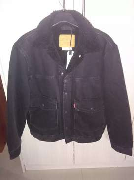 Levis Brand New Black Sherpa