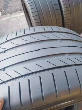 A set of 245/40/17 continental Tyres