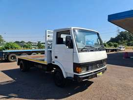 2005 TATA 713S FLAT BED - EXCELLENT CONDITION