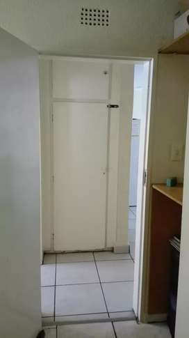 Room to rent in a 2beds flat. Call 07*34*02*75*42