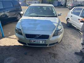 VOLVO S40 (2.5T)-FOR SALE AS IS OR AVAILABLE FOR STRIPPING FOR SPARES