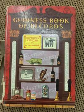 Collection of Guiness Book Of Records for sale