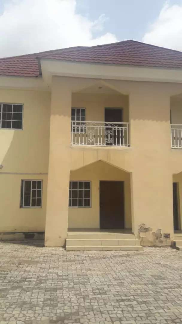 3 bedroom duplex with a room BQ attached. 0