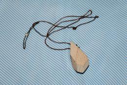prezent naszyjnik wisiorek drewno eko minimalizm minimal
