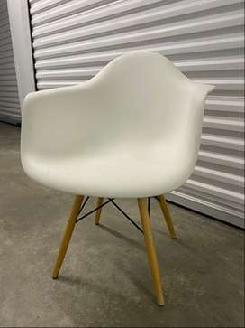 Eames inspired dinning chair