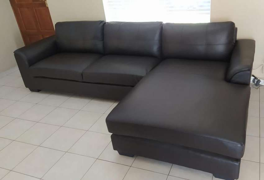Brown baybed sofa