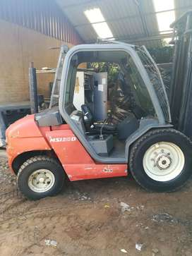 Linde and Manitou Forklifts for sale - Bargain Prices - R89,000 each